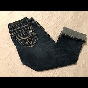 ⭐️Rock Revival Jean Capris⭐️